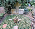 Ehrengrab Hüttenweg 47 (Dahl) Werner Sombart.jpg