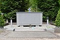 Eindhoven-begraafplaats-Fellenoord-oorlogsmonument.jpg