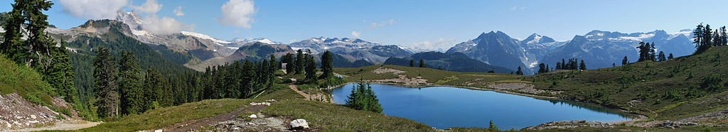 Elfin lakes panoramic
