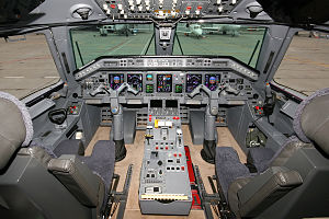 Embraer ERJ family - Flight deck of an ERJ135