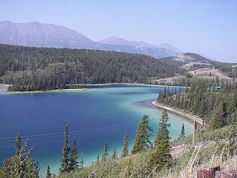 Emerald Lake, Yukon 2.jpg