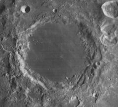 Endymion crater 4067 h3.jpg
