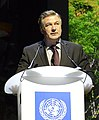 Equator Price with Alec Baldwin (23530772211) (cropped).jpg