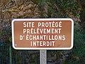 Espace Pierres Folles Beaujolais - Panneau site protégé (mai 2020).jpg