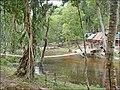Espace de repos près de la rivière sacrée (Phnom Kulen) (6871642245).jpg