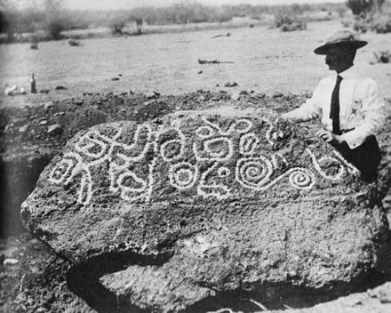 The mysterious Esperanza Stone. Found by Burnham in Mexico in 1909 Esperanza stone burnham1910.jpg