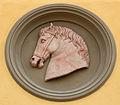 Ex-istituto d'arte, tondi con teste di cavallo 06.JPG