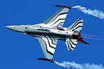 F16 - RIAT 2015 (20496826289).jpg