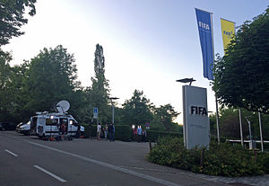 2015 FIFA corruption case - Media in front of FIFA headquarters after Blatter's resignation