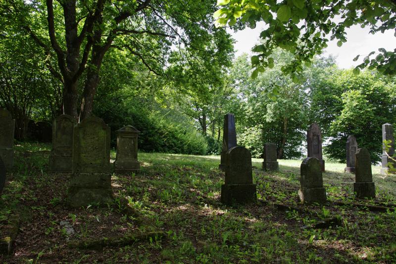 Datei:Feldatal Kestrich Juedischer Friedhof.png