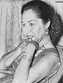 Fifi Young, Film Varia 2.6 (Jun 1955), p5.jpg