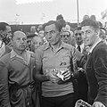 Finish Parijs. Fausto Coppi, winnaar van het algemeen klassement en drager van d, Bestanddeelnr 905-2272.jpg