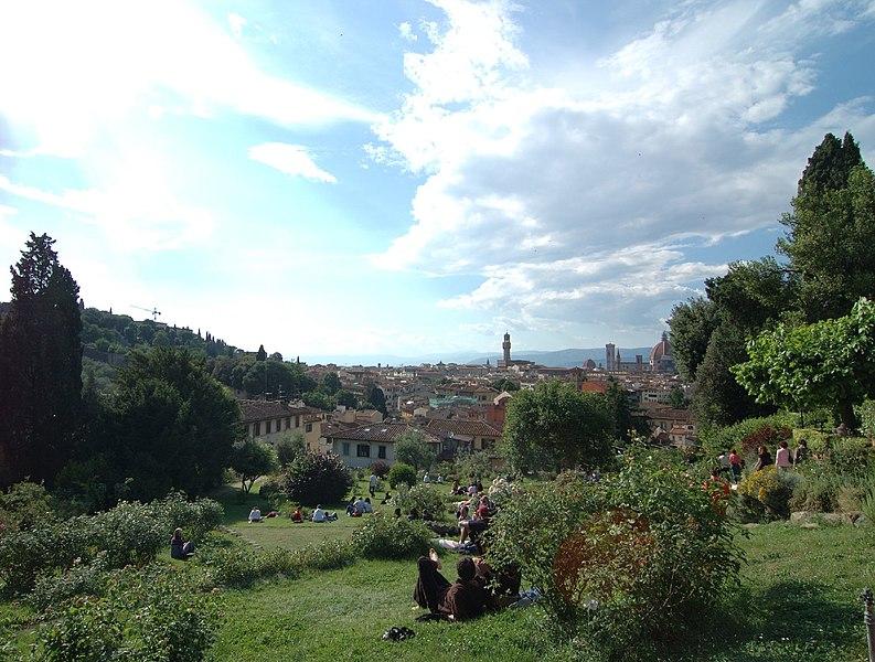 https://commons.wikimedia.org/wiki/File:Firenze-giardino_delle_rose_06.jpg