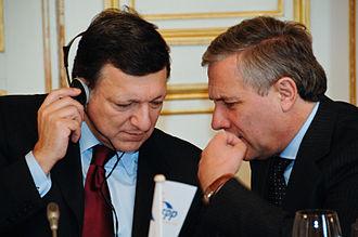 Antonio Tajani - Tajani and Barroso at the EPP congress in 2008
