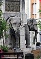 Fontaine des éléphants Chambéry.JPG