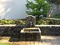Fontaine fleurie de Plailly.jpg