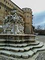 Fontana Masini e Rocca Malatestiana.jpg