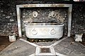 Fontana dei leoni (Avenza) 07.jpg