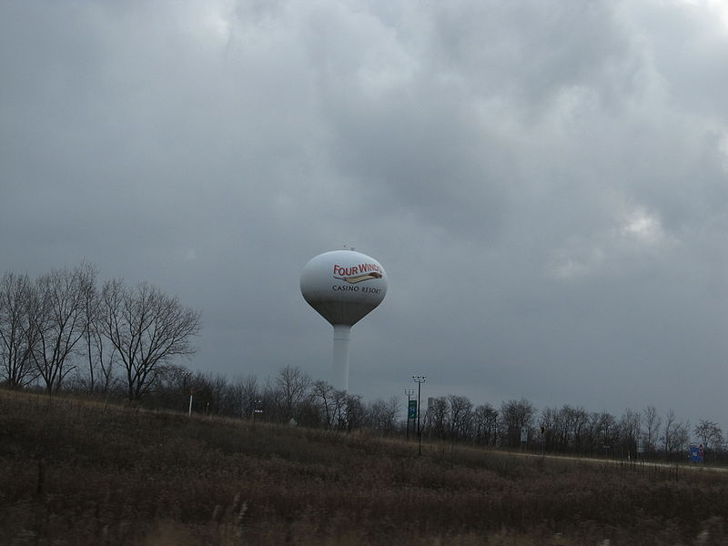 File:Four Winds New Buffalo water tower (11045706586).jpg