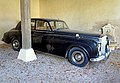 France-001664 - Old Bentley (15455384386).jpg