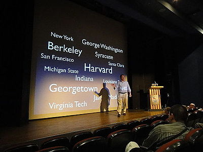 Frank Schulenburg giving a presentation at Wikimania 2011