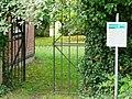 Friedhof Ihinger Hof mit Gräbern aus dem 18. bis 20. Jahrhundert. Die ältesten sind von Moriz Siegfried von Leiningen (1703-1782) und von seiner Mutter Amalie Hedweg geb. von Donop (1684-1765), einer Enkelin des Heinri - panoramio.jpg