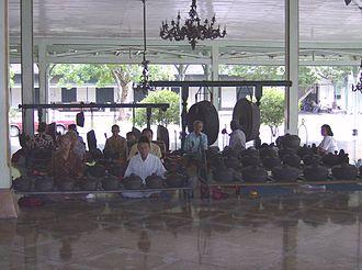 Munggang - The gamelan munggang of the Mangkunegaran in Solo.