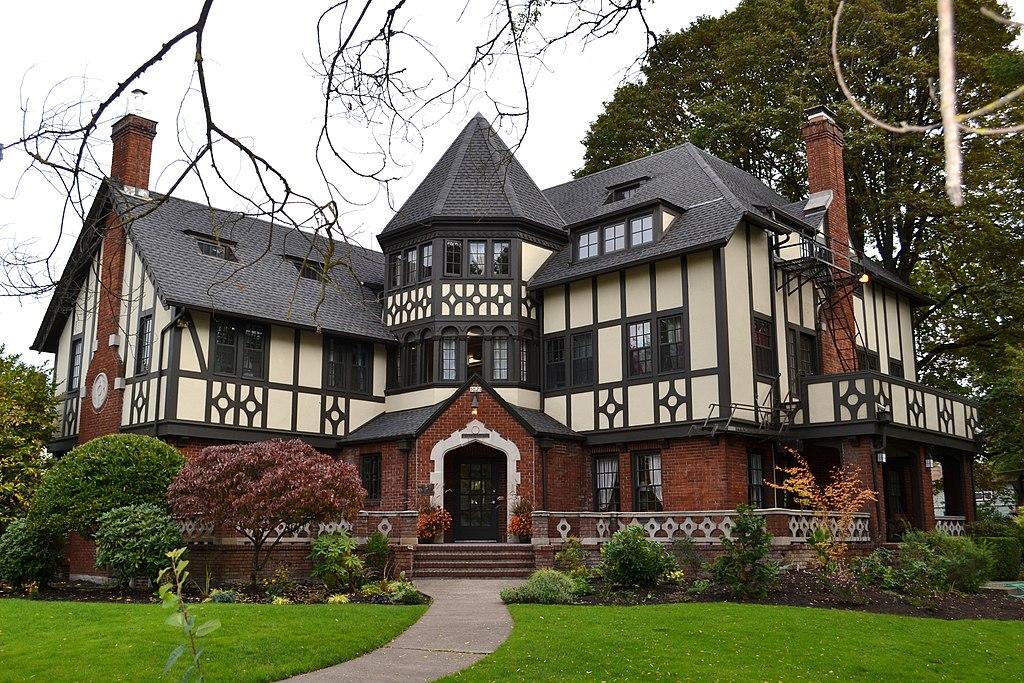 File gamma phi beta sorority house eugene oregon jpg for Building a home in oregon