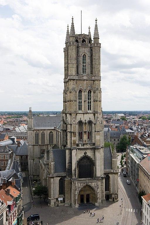 Gent-Sint-Baafskathedraal vom Belfried aus gesehen