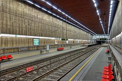 Hoe gaan naar Georges Henri met het openbaar vervoer - Over de plek