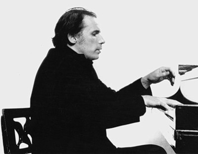 Picture of a band or musician: Glenn Gould
