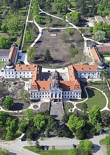 G 246 D 246 Llő Palace Wikipedia