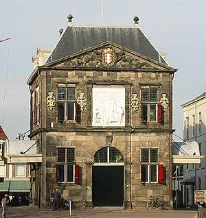 Weigh house - Image: Gouda waaggebouw februari 2003