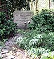 Grabstätte Trakehner Allee 1 (Westend) Helene Lange.jpg