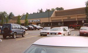 Grand Union (supermarket) - A Grand Union store in Glenmont, New York, in 2004.