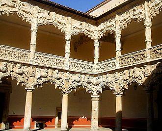Guadalajara, Castilla–La Mancha - Isabelline style Courtyard of the Lions of the Palacio del Infantado