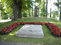 Gustaf Adolf of Sweden & Sibylla of Sweden grave 2009 (1).jpg
