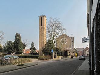 Selfkant - Image: Höngen, kerk in straatzicht foto 8 2011 03 16 13.47