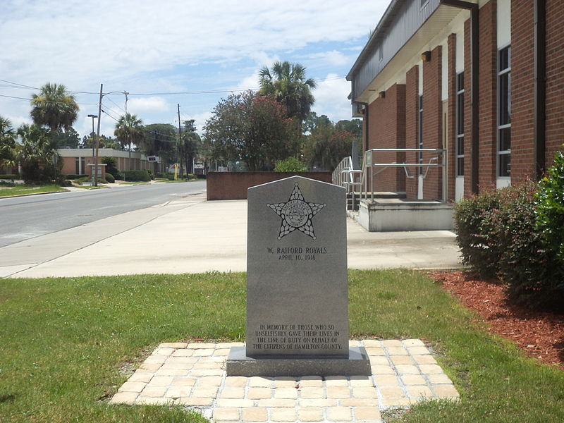 File:Hamilton County Sheriff's Office Memorial front.JPG