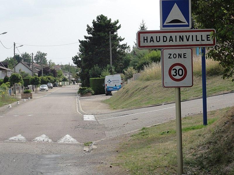 Haudainville (Meuse) city limit sign