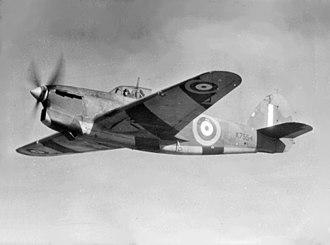 Hawker Henley - Image: Hawker Henley TT III target tug in flight c 1938