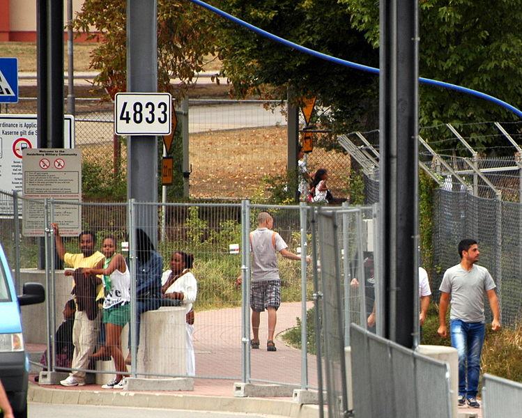 File:Heidelberg - Patrick Henry Village - Migranten 2015-09-12 15-51-54.JPG