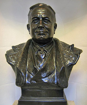 Arsenal F.C. - A bronze bust of Herbert Chapman stands inside Emirates Stadium as a tribute to his achievements at the club.