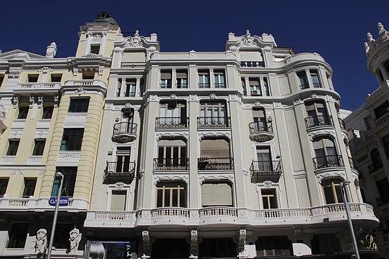 House in Madrid - panoramio (1).jpg