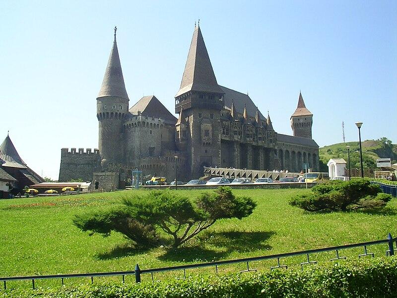 File:Hunyadi Castle in Vajdahunyad.jpg