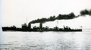 IJN Hakaze on trials Taisho 9.jpg