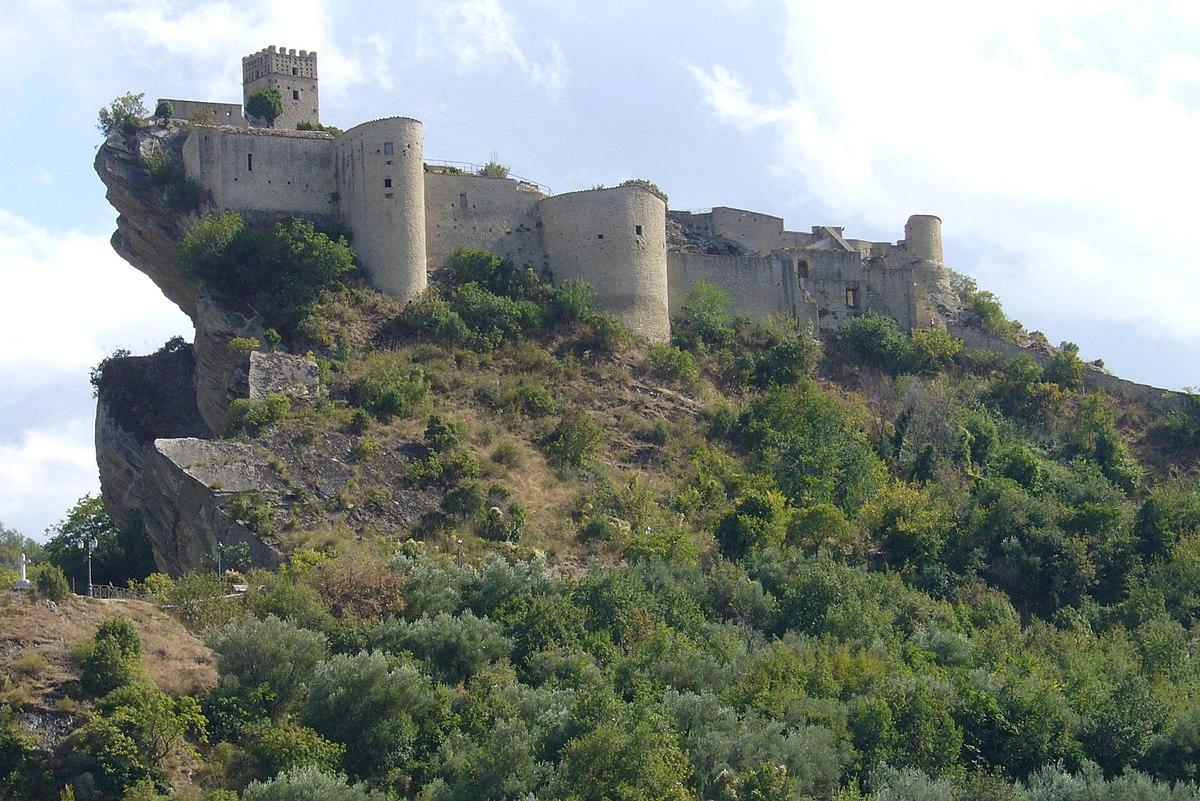 Castello di roccascalegna wikipedia - Immagini di giardini di villette ...