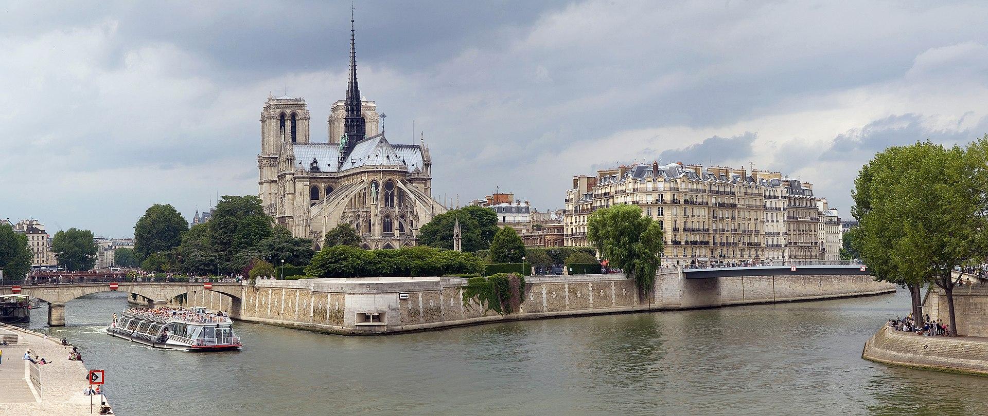 Île de la Cité, vue du pont de la Tournelle.