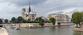 Île de la Cité - Notre Dame de Paris on Île de la Cité from upstream (the east)