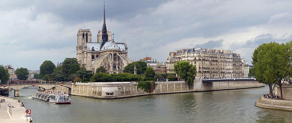 Image-Notre Dame de Paris on Île de la Cité Edit 1 - July 2006